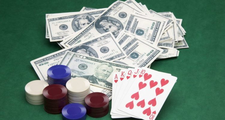 Keunggulan Bermain Judi Poker Uang Asli
